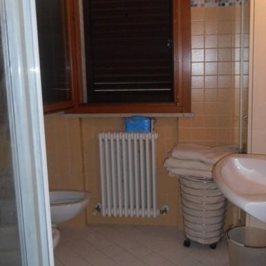 wc 1p vert